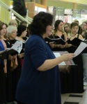 Christa Damaris and the choir